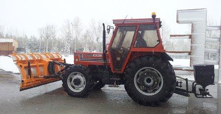 traktor kar kureme tuz serpme 2.450px